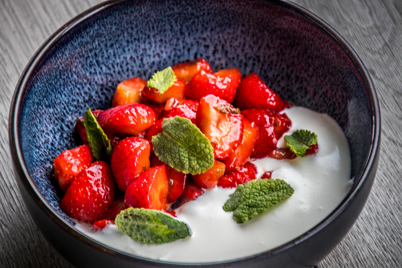 aardbeien met balsamico, limoen en munt