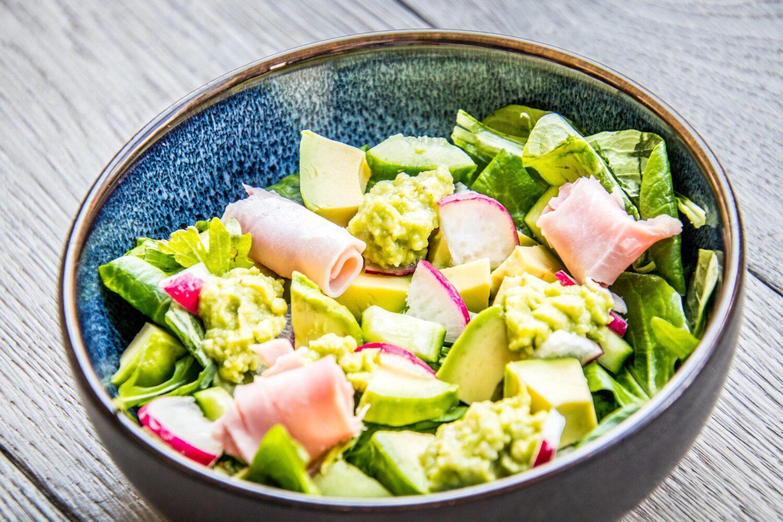 Maaltijdsalade met avocado