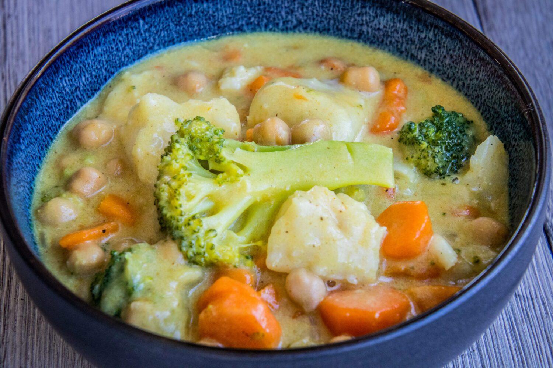 Curry met kabeljauw en groenten