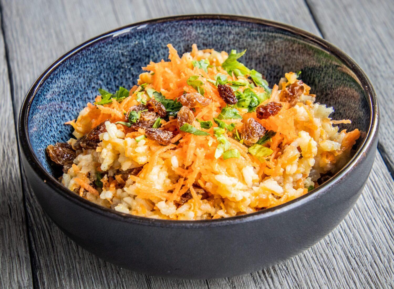 Rijstsalade met wortelen