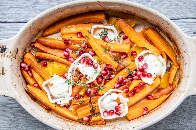 Geroosterde wortelen met geitenkaas en sinaas